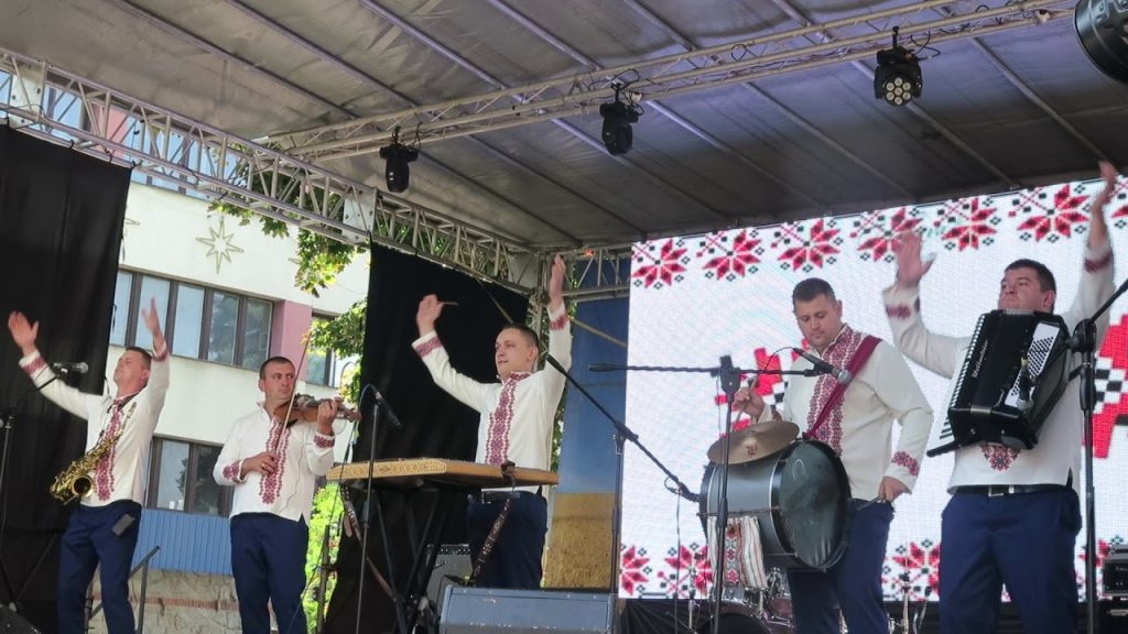 Парад, музика і атмосфера часу: як провести вихідні 24-26 серпня у Франківську 7